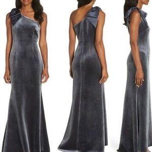 $198 NWT Eliza J Velvet Maxi Dress W Shoulder Bow